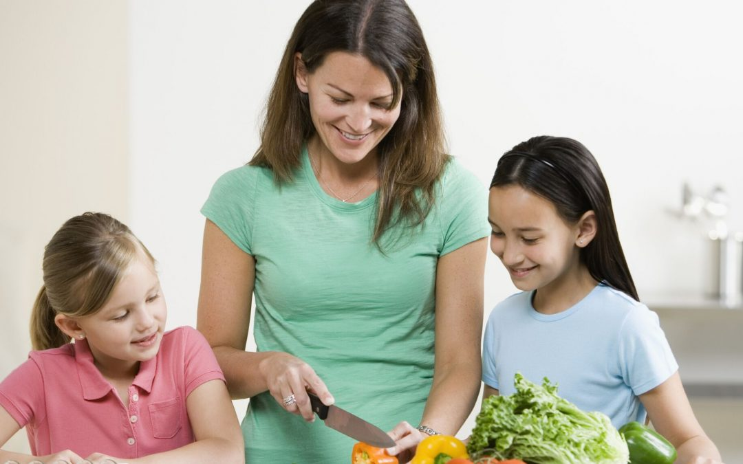 Benefits of Cooking Healthy Meals with Your Kids